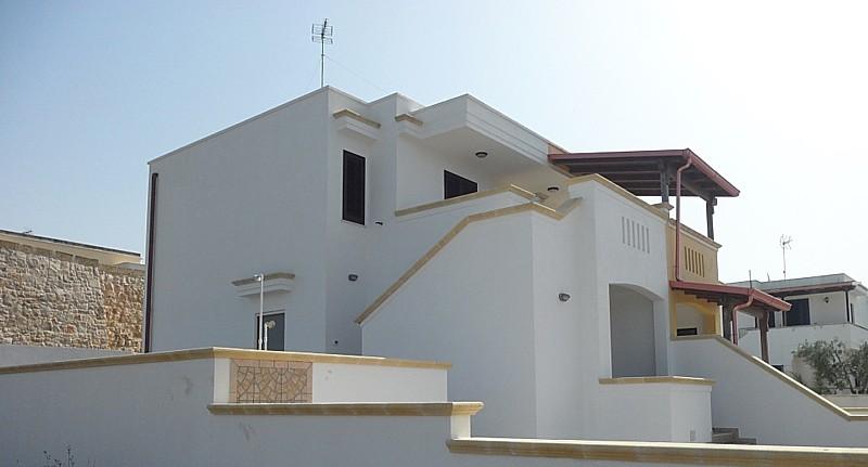 casa - Villetta al piano terra in villa bifamiliare