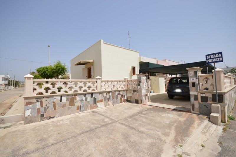 Vacanze in puglia affitto villa indipendente vicino al for Colore esterno casa al mare